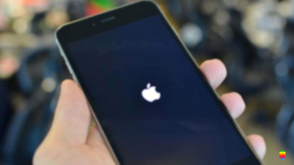 iPhone bloccato con logo mela (Apple) fisso